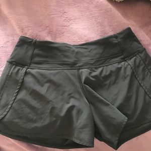 LuLu lemon shorts size 4